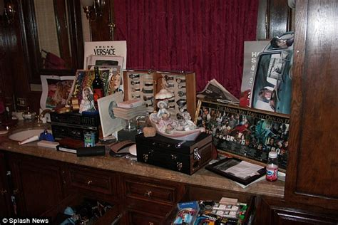 michael jackson mannequin collection found inside his