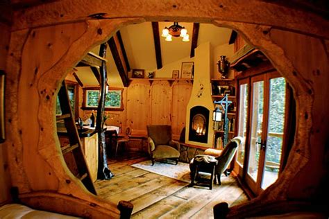 living room treehouse world s best tree houses dailycognition