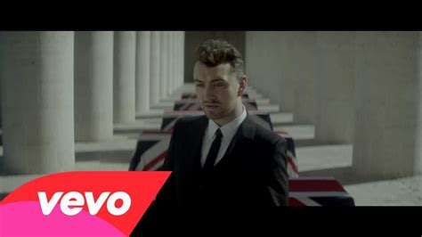 testo stay with me sam smith sam smith writing s on the wall traduzione in italiano