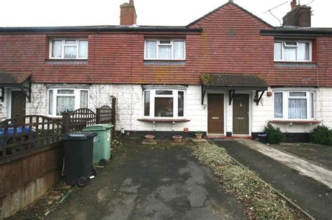3 bedroom house for sale in maidstone 3 bedroom terraced house for sale in mangravet avenue