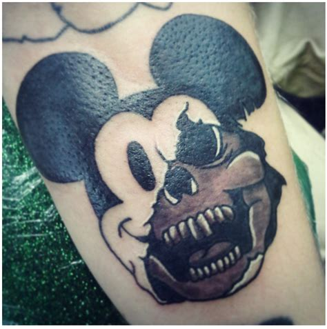 halloween tattoo specials 30 awesome and creepy tattoos