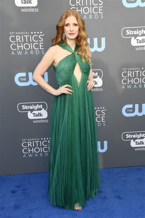 critics choice awards 2018 nominados critics choice awards 2018 chastain leaves it to chance in vionnet tom lorenzo