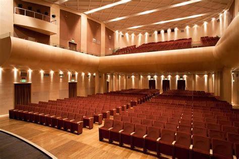 Sedie Per Sale Conferenze by Sedia Per Conferenze Imbottita Con Braccioli Rivestiti In
