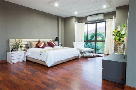 Carpet Vs. Hardwood Flooring in the Bedroom   Floor