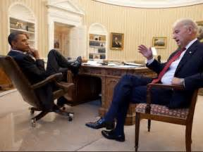 president oval office does seeing president obama s foot on the oval office desk
