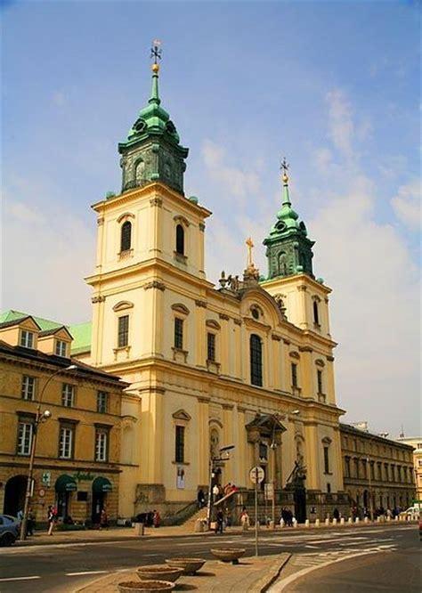 eglise de la sainte croix  varsovie jesus  terre