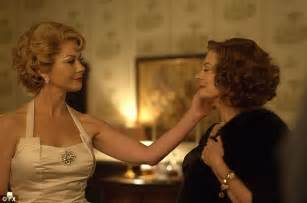 episode 7 joan crawford bette davis the buzz that was ryan murphy loved olivia de havilland s feud statement