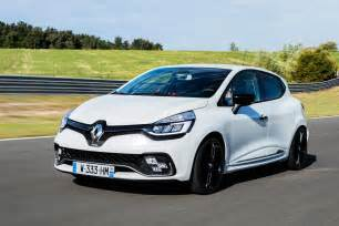 Renault Clio Uk Renaultsport Clio 220 Trophy 2016 Review Auto Express