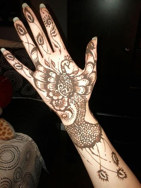 peacock henna tattoos peacock mehndi designs and ideas 2018 beststylo