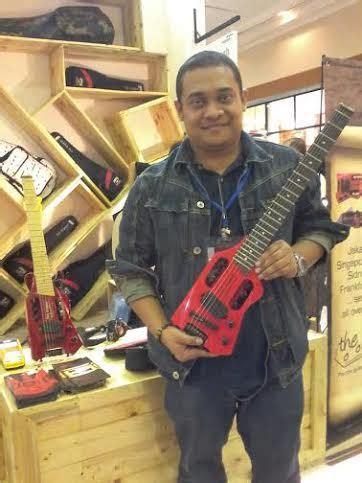 usaha membuat gitar pembuat gitar made in bandung ini sukses berkat internet