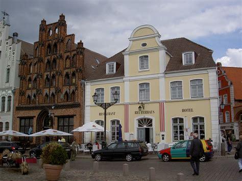 Haus 7 Wismar by Wismar Haus Alter Schwede Und Reuterhaus Am Marktplatz