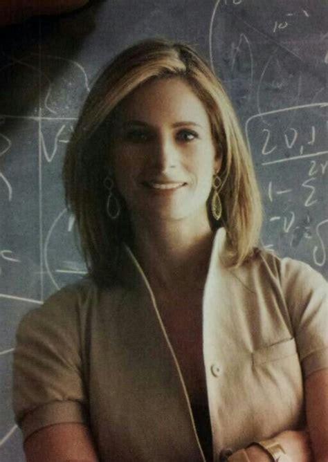 The PERFECT medium hair cut! Lisa Randall, Harvard
