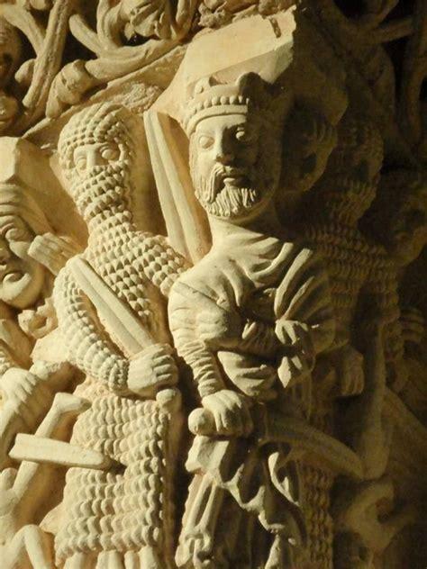 iconografia de los santos 8446029316 la matanza de los santos inocentes en la iconografia rom 225 nica herodes suele aparecer con corona