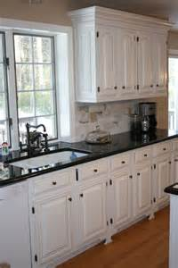 Kitchen Cabinet Colors For Black Countertops 25 Best Ideas About Black Countertops On