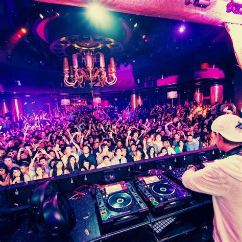 8tracks radio dj remix 10 songs free and playlist