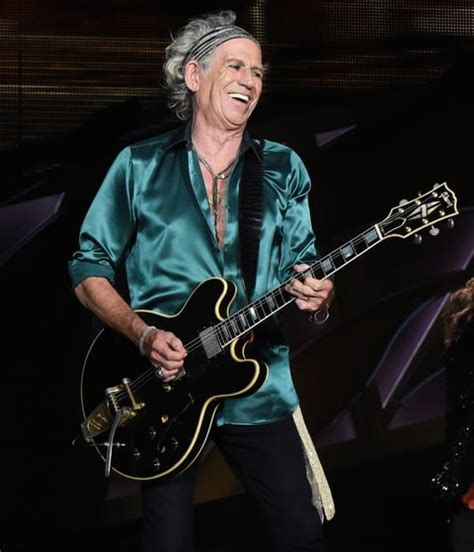 Kaos Musik Keithrichards keith richards announces new lp crosseyed rolling