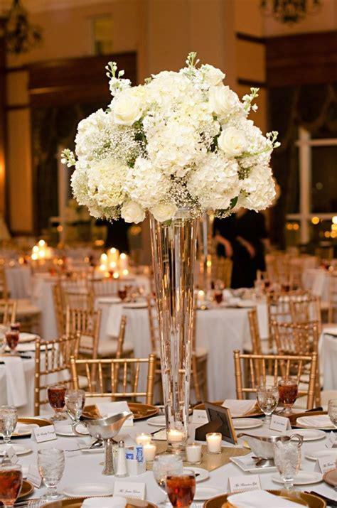 Wedding Centerpieces With Flowers by Hydrangea Centerpiece In Vase Search Mag