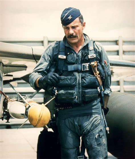 legendary fighter pilot robin olds dies gt u s air force
