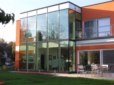 fassade holz modern alco glasfassadenkonstruktion holz alu glasfassaden