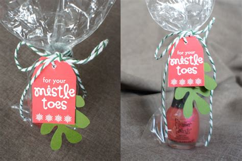 clever christmas gift tags  crafting chicks