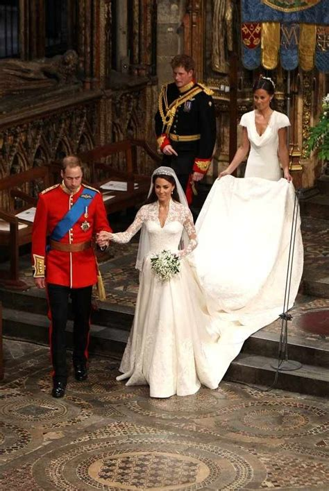 where does kate middleton live 150 best images about kate middleton s wedding dress on