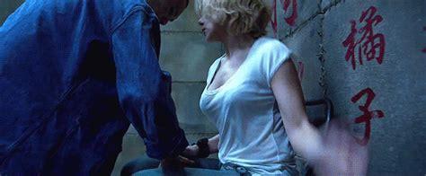 film lucy kickass the 18 most kickass scarlett johansson moments so far mtv