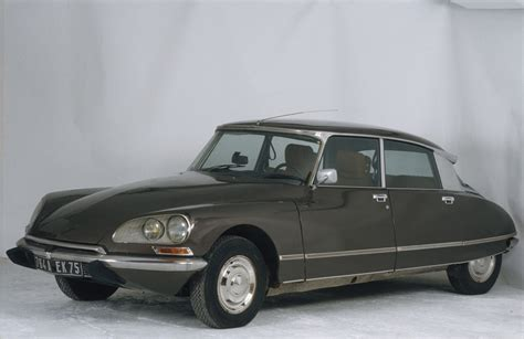 citroen ds history of citroen ds 1955 1975 speeddoctor