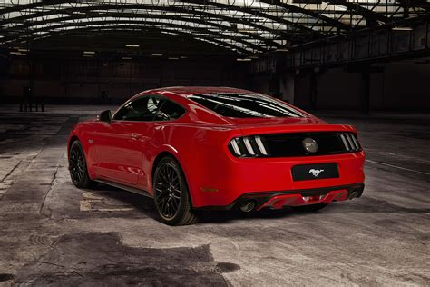 flatrock flat out with right uk ford mustangs by