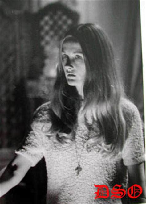 the stars of dark shadows where are they now joan bennett the stars of dark shadows where are they now nancy barrett
