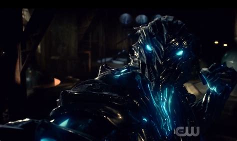 along with the gods zoom the flash season 3 eight powers savitar has that zoom
