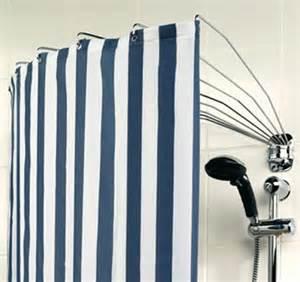 badewannen duschvorhang der duschvorhang aufh 228 ngesysteme und modelle sch 214 ner
