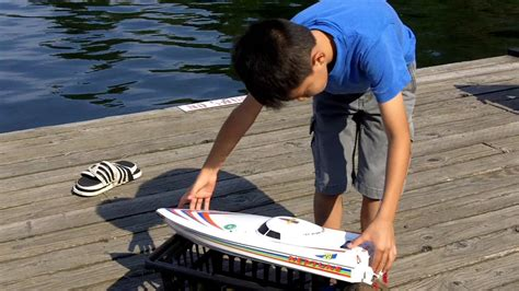 toy boat racing videos how to launch a remote controlled toy speed boat safely