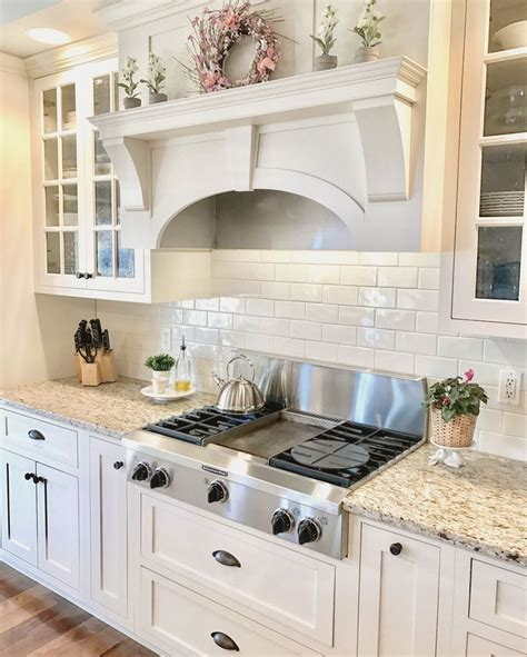 granite colors with white cabinets 25 best ideas about venetian gold granite on