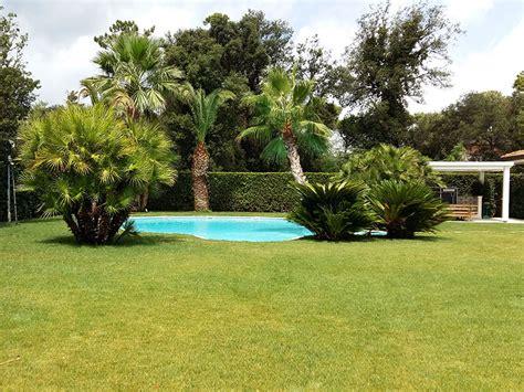 il giardino forte dei marmi realizzazione e manutenzione di giardino privato a forte