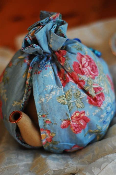 pattern for a fabric tea cosy 30 best tea cozy images on pinterest tea cosies tea