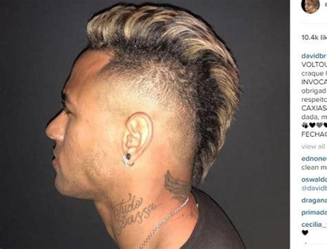 neymar resgata corte moicano no cabelo esporte uol esporte
