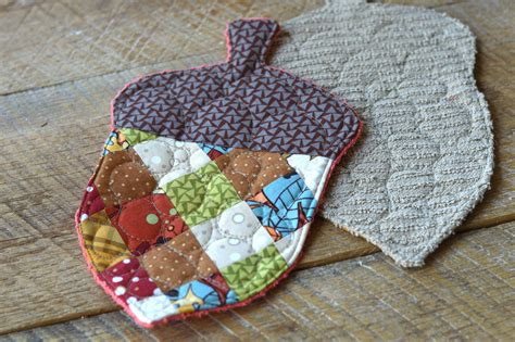 Quilted Acorn by Patchwork Acorn Potholder 5 Therm O Web