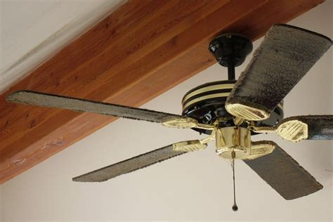 easy to clean fan find out the easiest way to clean your dirty fan blades