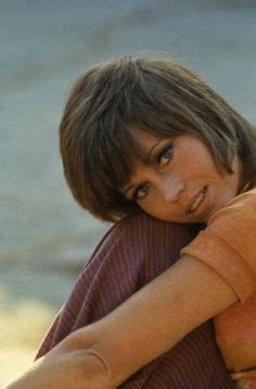 how to cut short klute cut jane fonda s shag 1970s hairstyle not convinced i won t