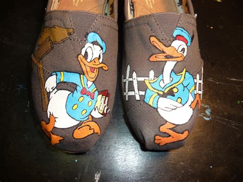donald duck shoes custom painted shoes donald duck by rytee on etsy