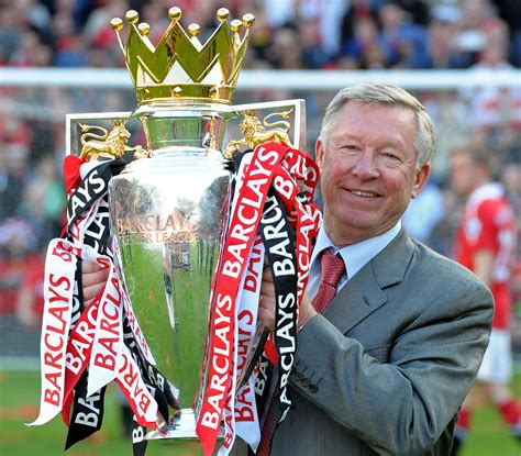 manchester united sir alex ferguson sir alex ferguson retires after 26 years emirates 24 7