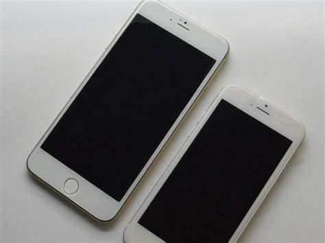 apple to start bigger iphones next month foxconn hiring 100 000 to start pumping out the