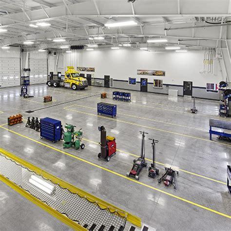 Penske Corporate Office by Penske Truck Leasing W E O Neil Construction