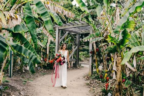 San Diego Botanical Gardens Wedding Stylish And Colorful California Wedding At The San Diego Botanic Gardens Junebug Weddings