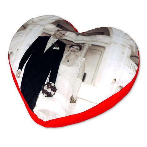 cuscini con foto prezzi cuscino cuore personalizzato con foto foto regali originali