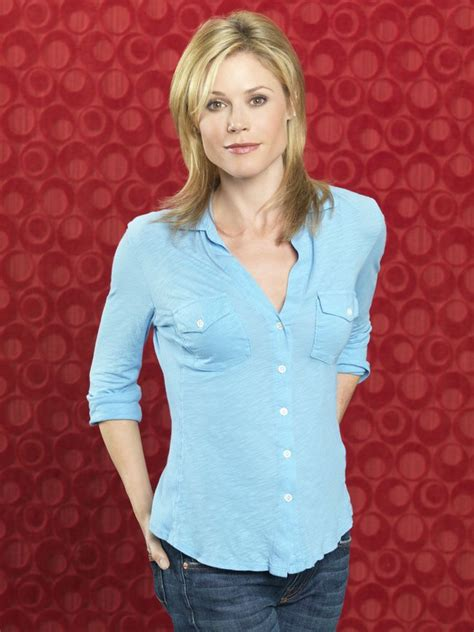 modern family hairstyles julie bowen as claire dunphy in modern family season 2