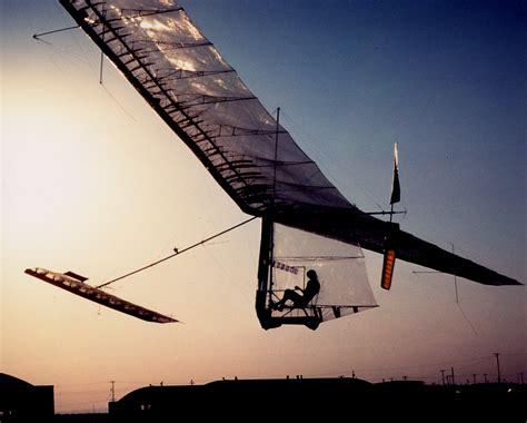 design brief gossamer condor aug 23 1977 pedal powered gossamer condor flies into