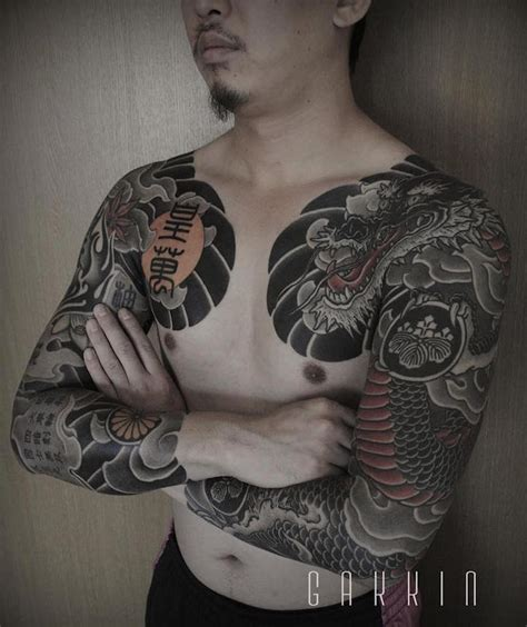 japanese bodysuit tattoo designs tattooist fuses contemporary freehand techniques with