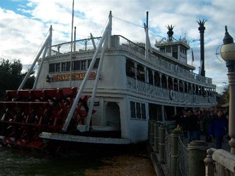 disneyland paris boat ride steam boat ride picture of disneyland park marne la