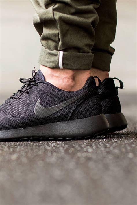 Nike One Black Black nike roshe one black black